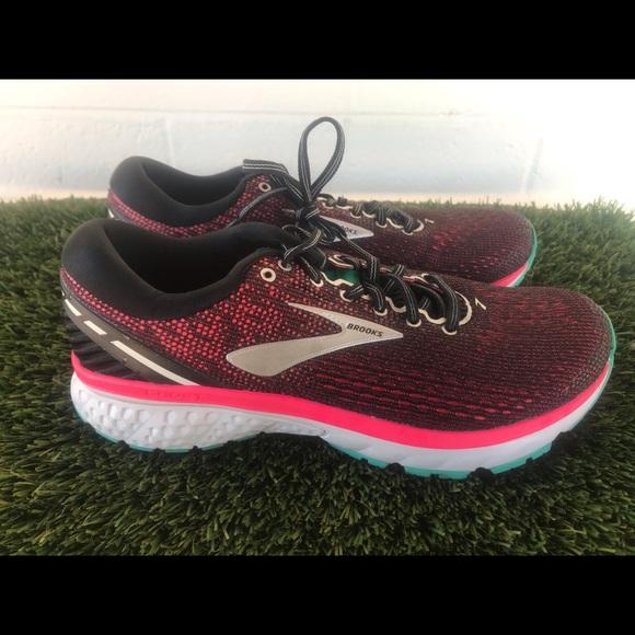 82db94ddccb Brooks Shoes - Women s Brooks Ghost 11 Running shoes sz 9.5